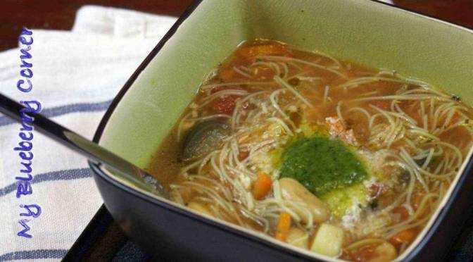 Włoska zupa jarzynowa z fasolą