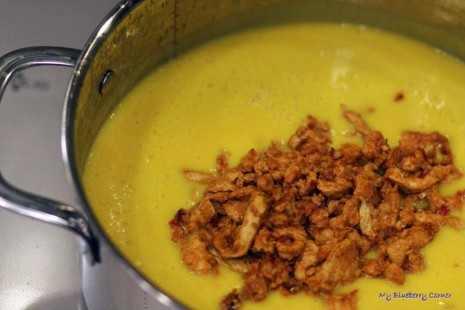 Zupa krem z dyni z pikantnym kurczakiem