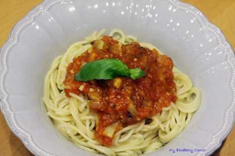 Spaghetti z karczochem w pomidorowym sosie