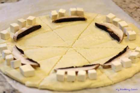 Szybkie croissanty z fetą i pieczakami