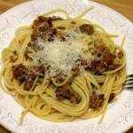 <span>Spaghetti</span> z wołowiną i pomidorami