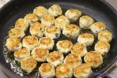Kotleciki w sosie cukiniowym z mascarpone