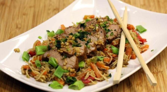 Imbirowe polędwiczki z warzywami po chińsku