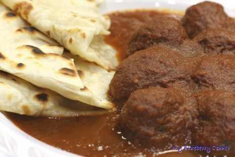 Pieczone kotlety z sosem z chili