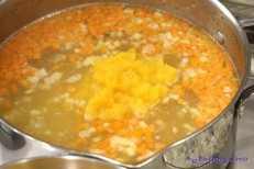 Zupa z brukwi na gęsinie