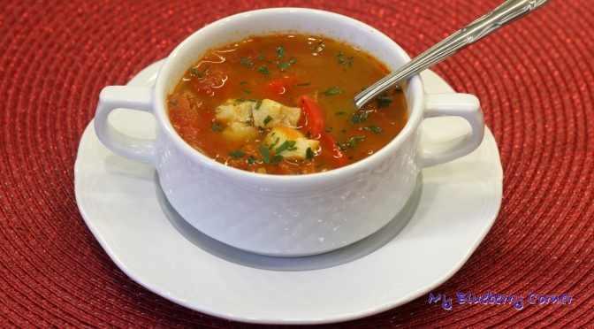 Halászlé – węgierska zupa rybna