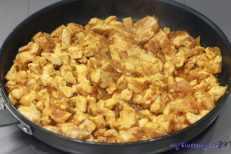 Paprykarz z kurczaka z galuszkami