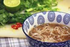 Wietnamska zupa rybna