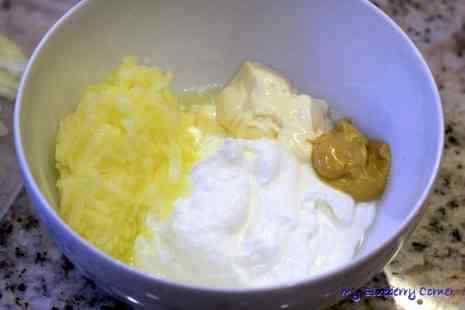 Śledzie w jogurtowym sosie