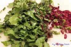 Placki z botwinką i zielonym groszkiem