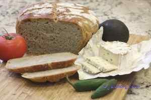 Pszenno-żytni chleb ze słonecznikiem
